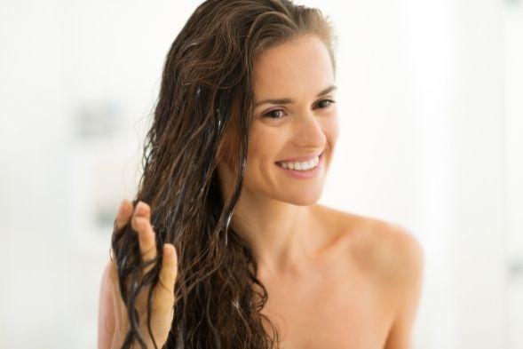 Wat doet conditioner precies voor je haar? (6x redenen waarom je conditioner moet gebruiken)