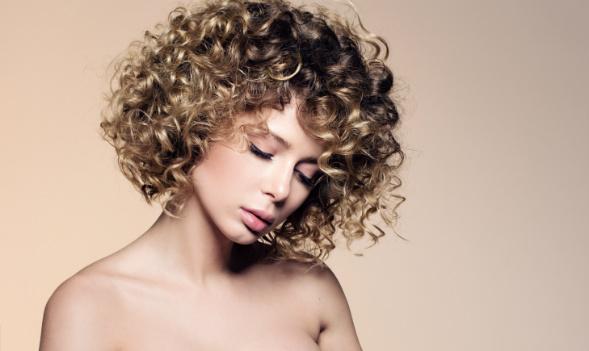 Haal het beste uit je krullen met deze haarproduucten!