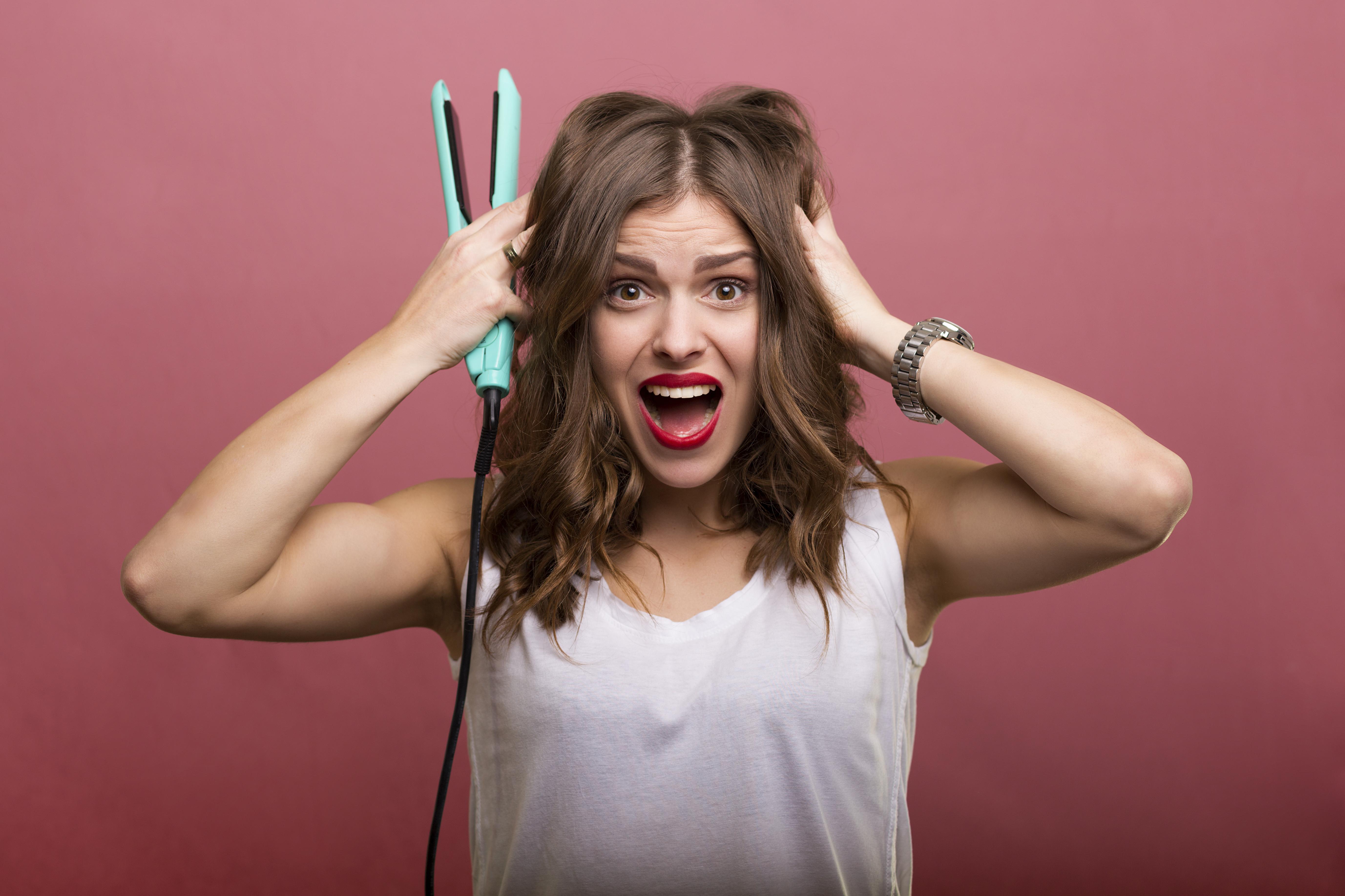 7x tips waardoor de stijltang je haar niet beschadigt